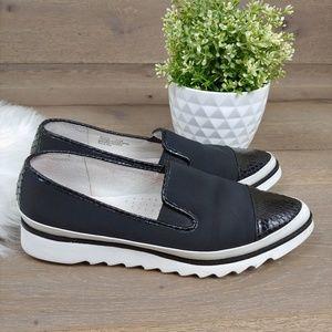 Donald J. Pliner Beliz Loafer Flats Black & White